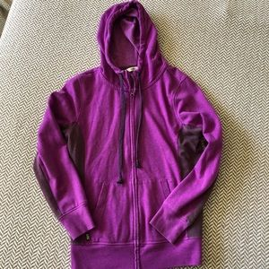Old navy tech hoodie with auxiliary plug